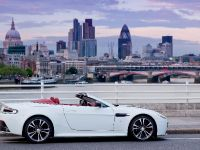 Aston Martin V12 Vantage Roadster, 15 of 26