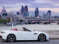 Aston Martin V12 Vantage Roadster, 15 of 26