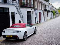 Aston Martin V12 Vantage Roadster, 16 of 26