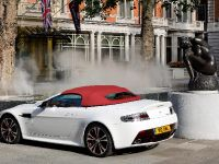 Aston Martin V12 Vantage Roadster, 17 of 26