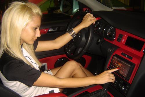 Audi Q7 Xplod: Звучит Здорово