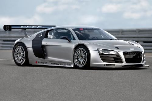 Audi разрабатывает расы версию R8