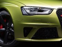 thumbnail image of Audi RS 4 Avant Peridot Metallic
