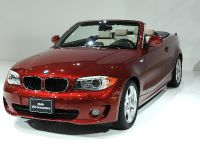 thumbnail image of BMW 1 Series Convertible Detroit 2011