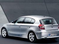 thumbnail image of BMW 130i