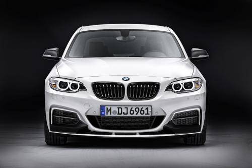 BMW 2-й серии купе имеет M Производительность оборудования