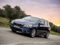 BMW 225i xDrive Active Tourer, 2 of 12
