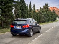 BMW 225i xDrive Active Tourer, 8 of 12