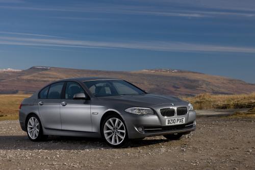 BMW 520d EfficientDynamics седан - на 62,8 миль на галлон