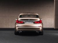 BMW Concept 5 Series Gran Turismo, 17 of 24