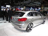 thumbnail image of BMW Concept Active Tourer Paris 2012