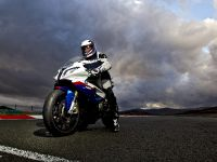 BMW E92 M3 vs BMW S 1000 RR Superbike, 6 of 8