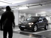 BMW X5 Security Plus, 17 of 35