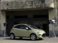 Bond movie role for Ford Ka, 1 of 5