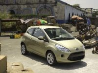 Bond movie role for Ford Ka, 2 of 5