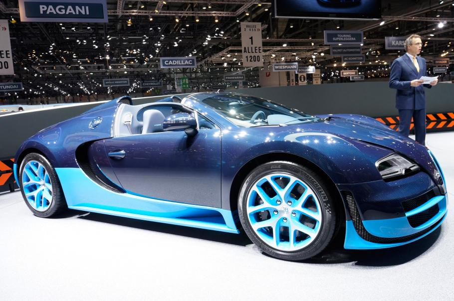 bugatti veyron 16 4 grand sport vitesse geneva picture 5. Black Bedroom Furniture Sets. Home Design Ideas
