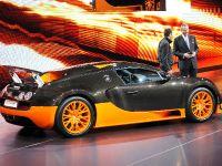 thumbnail image of Bugatti Veyron Paris 2010
