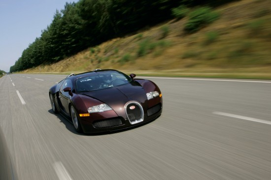 Bugatti Veyron on the track of the Targa Florio