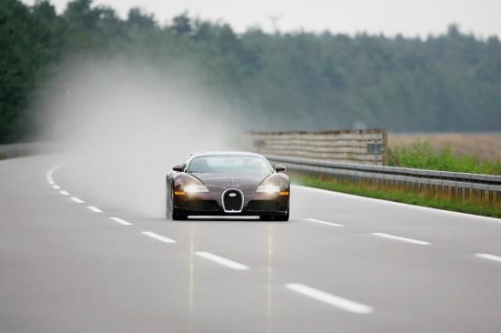 Bugatti Veyron on the track of the Targa Florio