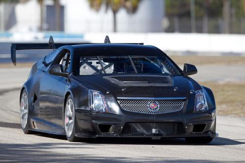 Cadillac CTS-V Racing Coupe [видео]