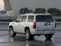 Cadillac Escalade Adds FlexFuel, 2 of 4