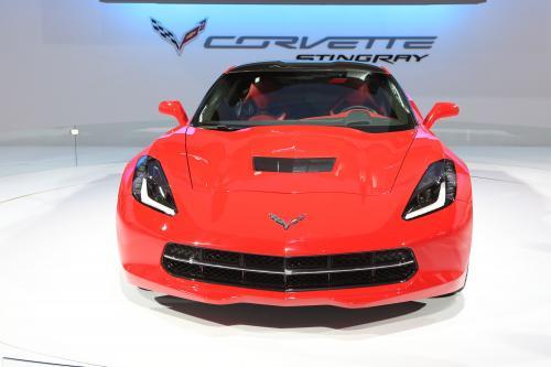 2014 Chevrolet Corvette Stingray Convertible Дебютирует В Женеве