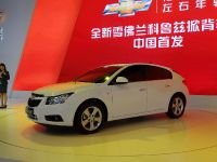 thumbnail image of Chevrolet Cruze Hatch Shanghai 2013
