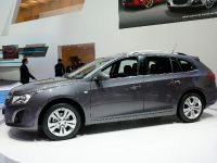 Chevrolet Cruze Station Wagon Geneva 2012, 2 of 4