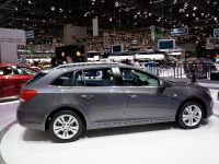 Chevrolet Cruze Station Wagon Geneva 2012, 3 of 4