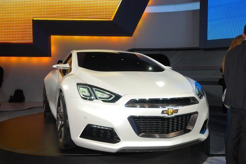 Chevrolet Tru 140S концепт кар показанный в Детройте - фотографии