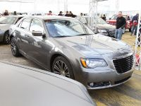 Chrysler 300 S Concept, 7 of 13