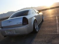 Chrysler 300C V10, 2 of 18