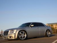 Chrysler 300C V10, 7 of 18
