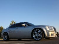 Chrysler 300C V10, 14 of 18