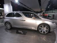 thumbnail image of Chrysler 700C Concept Detroit 2012