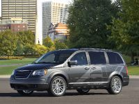 Chrysler Town & Country EV, 2 of 5
