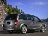 thumbnail image of Chrysler Town & Country EV