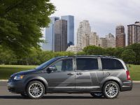 Chrysler Town & Country EV, 4 of 5