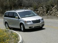 Chrysler Town & Country Wins Ward Interior , 1 of 4