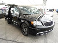 Chrysler Town&Country S Concept, 1 of 1