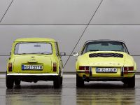 Classic MINI and Porsche 911, 9 of 38