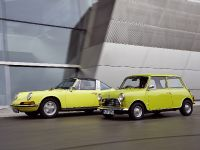 Classic MINI and Porsche 911, 17 of 38