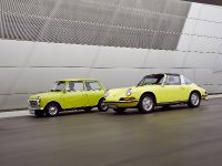 Classic MINI and Porsche 911, 19 of 38