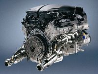 Cutting-edge F1 technology for production models, 23 of 28