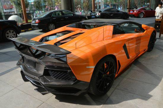 DMC Lamborghini Aventador LP700-4 Roadster SV