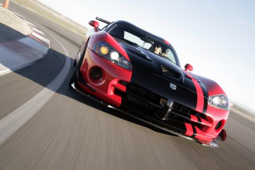 Dodge Viper SRT10 живет на