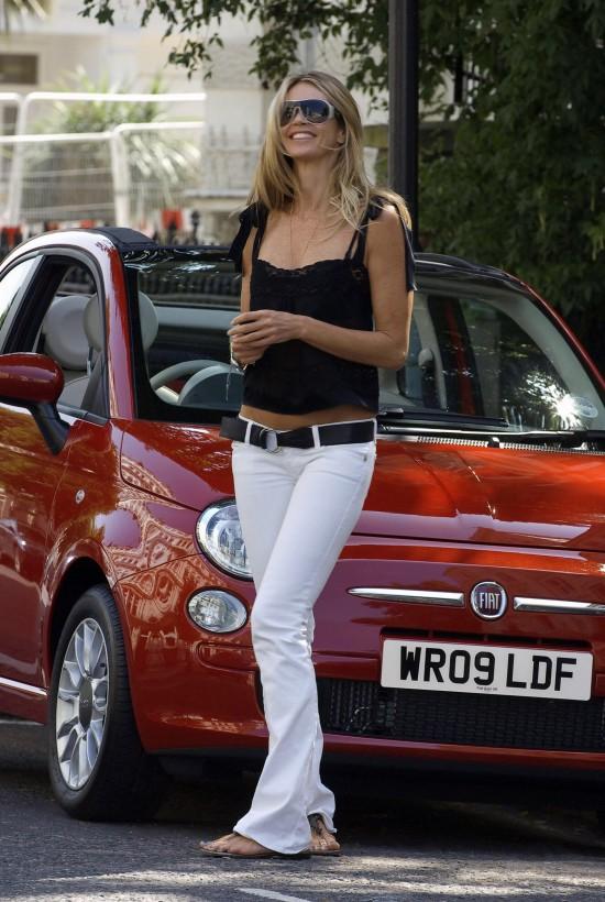 Elle Macpherson And Fiat 500c Picture 23205