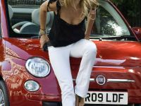 Elle Macpherson and Fiat 500C, 1 of 4