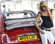 Elle Macpherson and Fiat 500C, 3 of 4