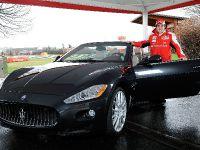 Fernando Alonso and Maserati GranCabrio, 1 of 2